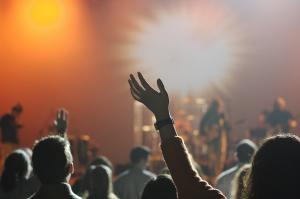 Odpoved koncerta Enriqueja Iglesiasa - na koga se obrniti