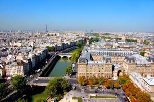 V Parizu razglasili izredne razmere-nasveti, če ste si premislili glede potovanja